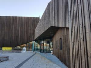 Holmen Svømmehall i Asker kåret til Årets Bygg 2017